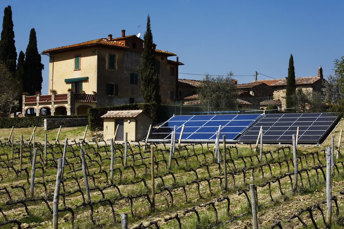 impianto fotovoltaico a terra per abitazione