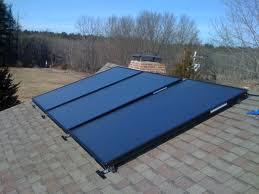 pannello solare termico tetto edificio