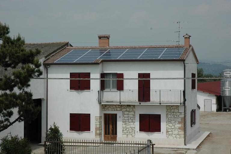 impianto fotovoltaico tetto casa