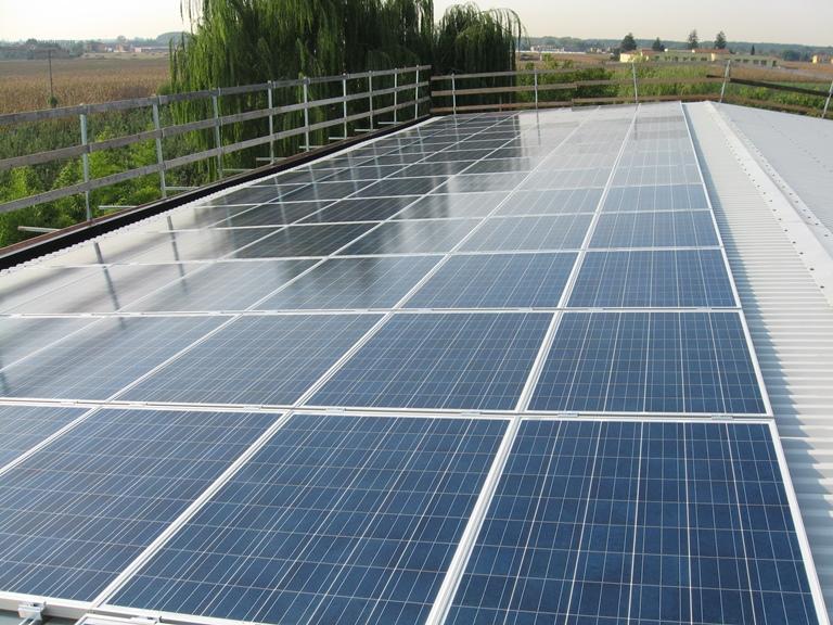 impianto fotovoltaico tetto edificio