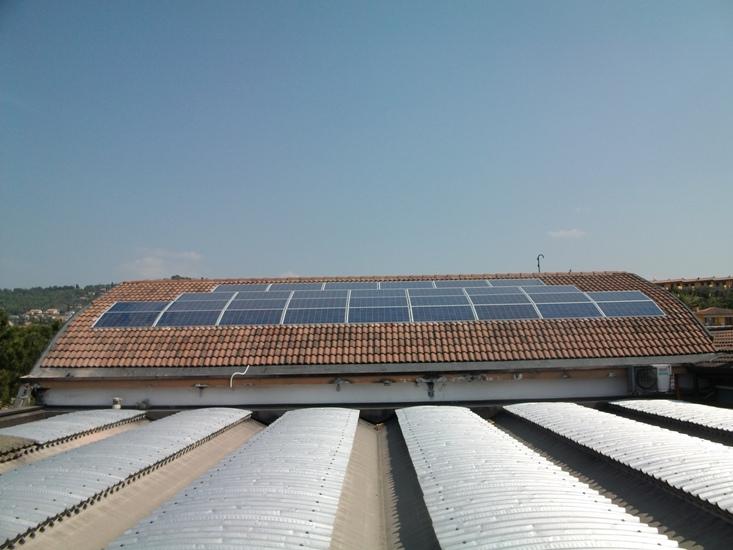 impianto fotovoltaico tetto azienda