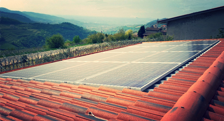 impianto fotovoltaico su tetto abitazione